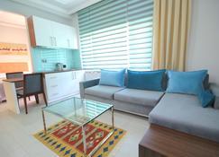 Delight Deluxe Aparts - Antalya - Living room