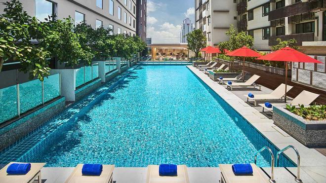 柔佛州新山阿瑪里酒店 - 新山 - 新山 - 游泳池