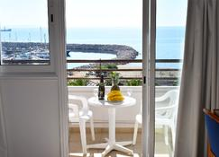 Sun Hall Beach Hotel Apts. - Larnaca - Balcony