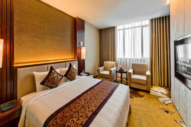 Muong Thanh Luxury Quang Ninh Hotel - Ha Long - Bedroom