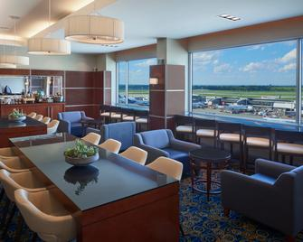 Montreal Airport Marriott In-Terminal Hotel - Dorval - Lounge