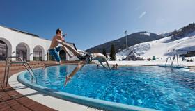 Hotel Trattlerhof - Bad Kleinkirchheim - Pool
