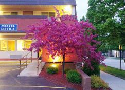 16 Best Hotels in Sheboygan  Hotels from $55/night - KAYAK