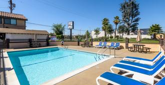 Sea Rock Inn - Los Angeles - Los Angeles - Pool