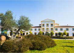 Hospedium Hotel Cortijo Santa Cruz - Villanueva de la Serena - Building