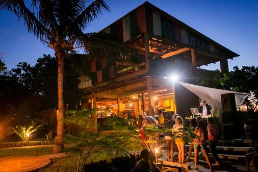 Mozambeat Motel - Praia do Tofo - Building