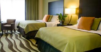 โรงแรมเบรนท์เฮาส์ - นิวออร์ลีนส์