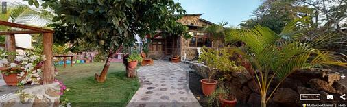 Lava House Hostal - Puerto Ayora - Vista del exterior