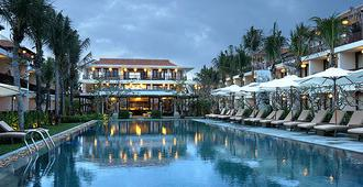 Vinh Hung Emerald Resort - הוי אן - בריכה