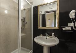 瑞吉娜焦萬娜酒店 - 羅馬 - 羅馬 - 浴室