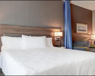 Home2 Suites by Hilton TorontoBrampton - Брамптон - Bedroom