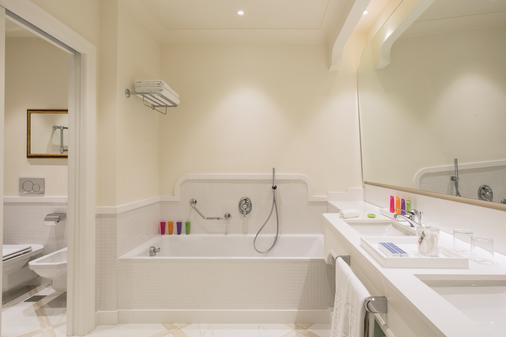 皇家大酒店 - 索倫托 - 索倫托 - 浴室