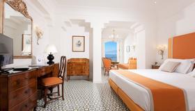 Grand Hotel Ambasciatori - Sorrento - Makuuhuone