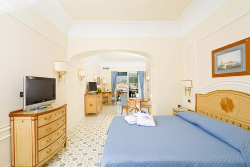 Grand Hotel Capodimonte - Sorrento - Bedroom
