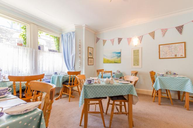 Cambridge House - Windermere - Food