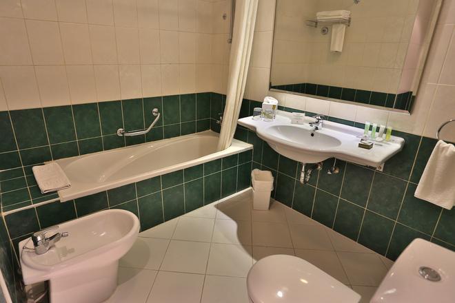 艾爾卡大都會酒店 - 安曼 - 安曼 - 浴室