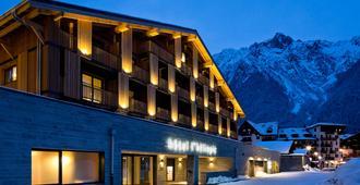 Heliopic Hotel & Spa - שאמוני מון-בלאן - בניין