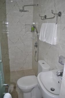 Jayleen Clarke Quay Hotel - Singapore - Kylpyhuone