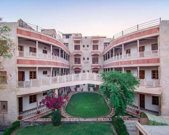Hotel Bhakti Dhama - Vrindavan - Gebouw