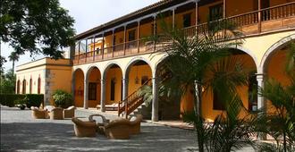 La Hacienda Del Buen Suceso - Las Palmas de Gran Canaria - Building
