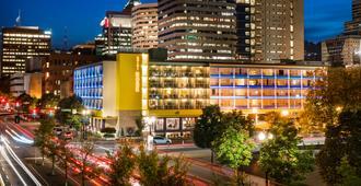 Staypineapple, Hotel Rose, Downtown Portland - פורטלנד - בניין