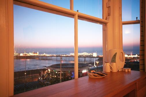 Legends Hotel Brighton - Brighton - Balcony