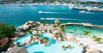 Warwick Paradise Island Bahamas - Adults Only - נאסאו - בריכה