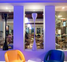 摩爾美尼公寓酒店 - 科斯島