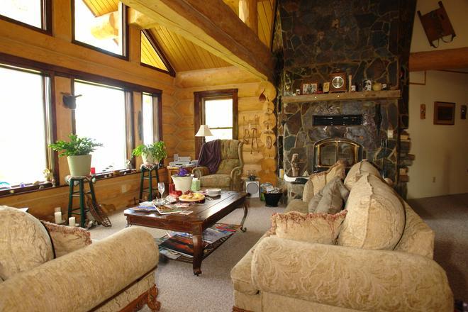 The Garrison Inn - Kalispell - Living room