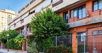 AACR Monteolivos - סביליה (ספרד)
