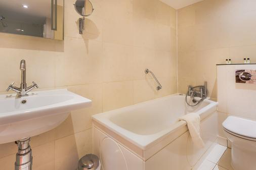 Tophams Hotel - London - Bathroom
