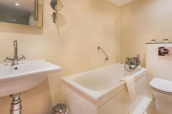Tophams Hotel - London - Phòng tắm