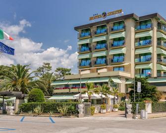 Hotel Siesta - Camaiore - Building