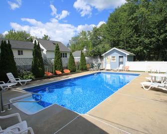 Brookside Motel - Saco - Zwembad