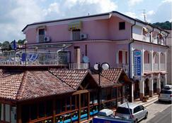 Le Tre Caravelle Hotel - Palinuro - Edificio