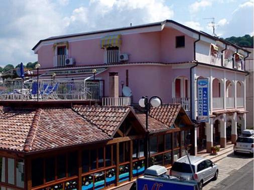 Le Tre Caravelle Hotel - Palinuro - Gebäude