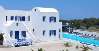 Hotel Blue Bay Villas - קאמארי
