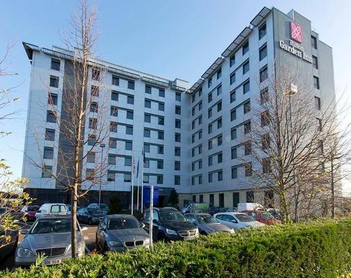 Hilton Garden Inn London Heathrow Airport - Hounslow - Building