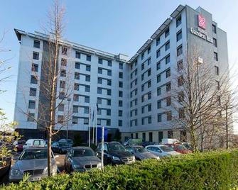 Hilton Garden Inn London Heathrow Airport - Hounslow - Building