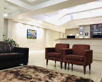 Hotel Westphal - Pousada do Estudante - Pelotas - Recepción