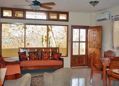 The Galeodan Suites - Puerto Baquerizo Moreno - Living room