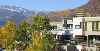 Simba Run Vail Condominiums - Vail - Building