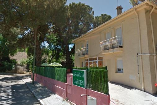Hotel Aravaca Garden - Madrid - Building