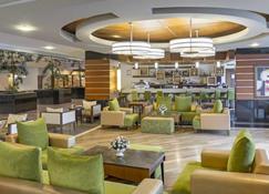Royal Wings Hotel - Büyükkumluca - Bar