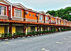 Oyo 415 Straits Settlement Inn - Malacca - Building