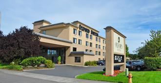 Oxford Suites Portland - Jantzen Beach - Portland - Building