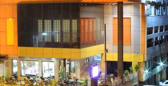 Hotel Rajat Executive - Kolhāpur