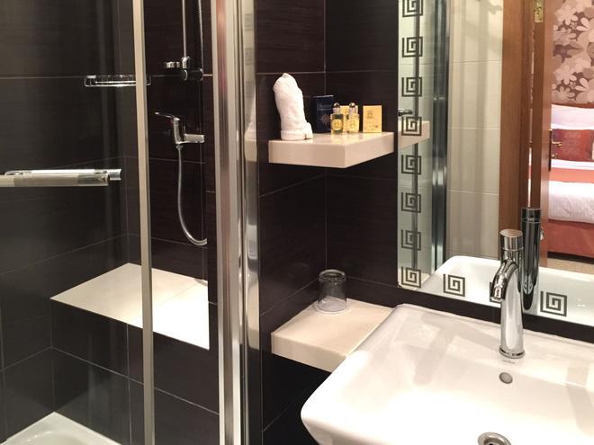Eney Hotel - Lviv - Bathroom