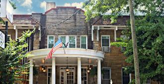 The Highland Inn - Atlanta - Outdoors view