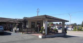 Monterey Fairgrounds Inn - Monterey - Bygning